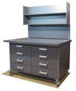 91059975 Stół z szufladami i ścianką na kółkach, 8 szuflad (blat: 120x78 cm, wys: 78 cm)