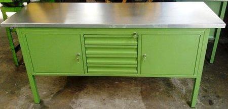 Stół warsztatowy, 4 szuflady, 2 szafki (wymiary: 1800x600x900 mm) 77156933
